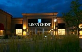 architecture retail store magazin détail linen chest crépuscule twilight