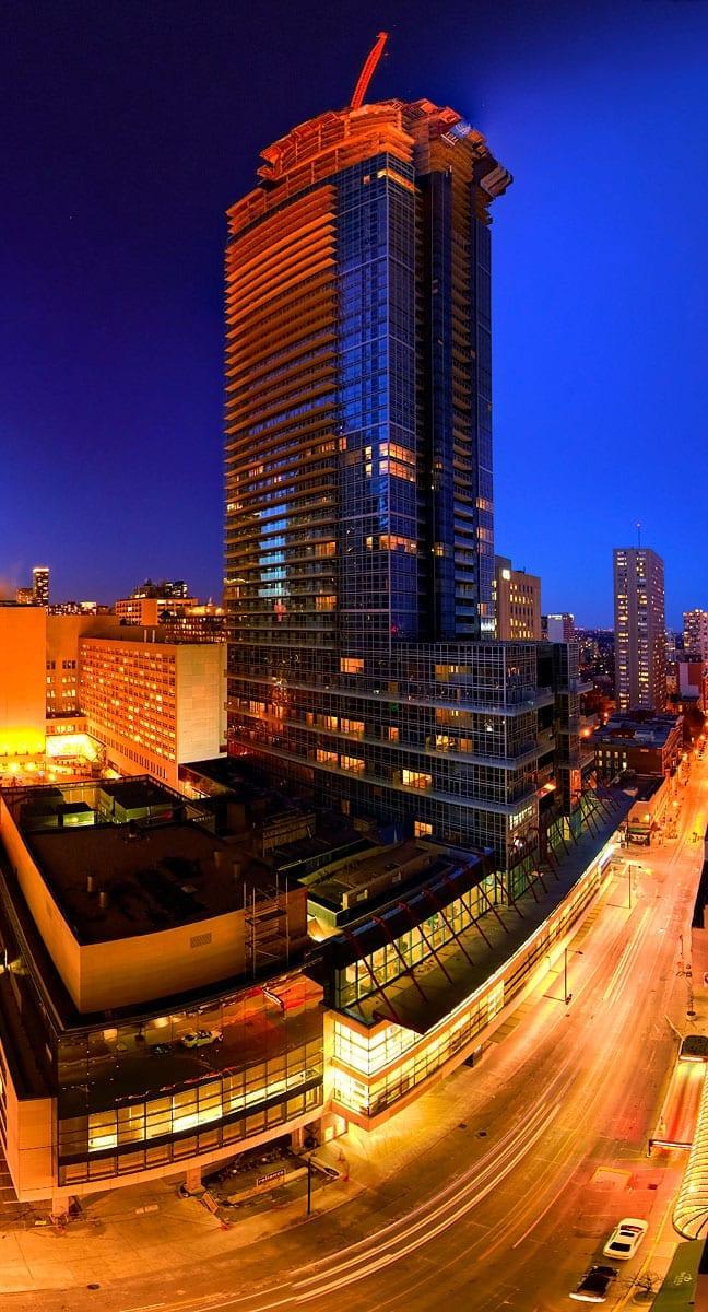 architecture skyrise gratte ciel toronto aura reliance construction condo