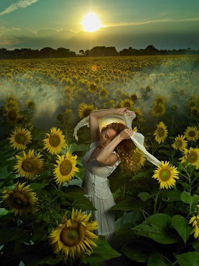 claude charlebois photographe photographer montreal quebec canada sunflowers tournesol portrait portraiture nature artistic artistique poétique poetic dreamy rêveur rêve dream sunset sunrise coucher de soleil lever de soleil aube twilight dawn leah west musique music chanteuse singer