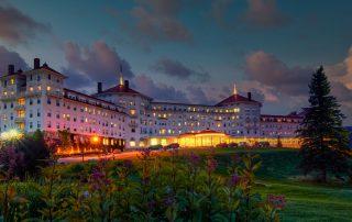 Vue architecturale de l'hotel Omni du Mont Washington à Bretton Woods dans le New Hampshhire